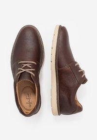 Clarks - GRANDIN PLAIN - Stringate sportive - brown - 1