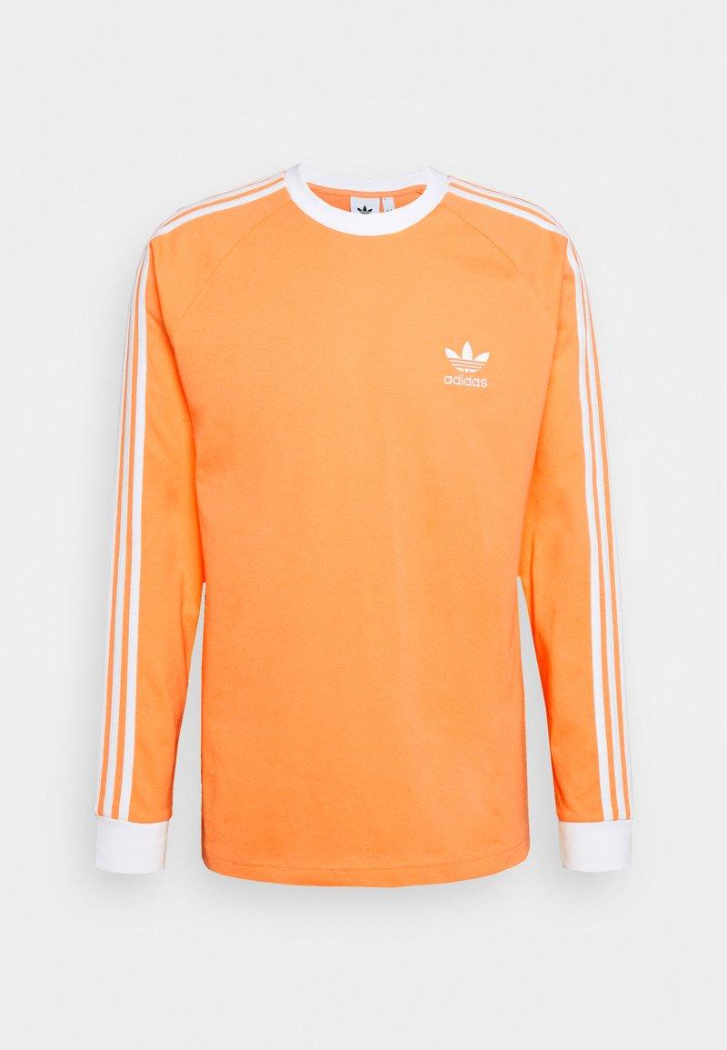 adidas Originals - ADICOLOR CLASSICS 3-STRIPES LONG SLEEVE TEE - Langærmede T-shirts - hazy orange