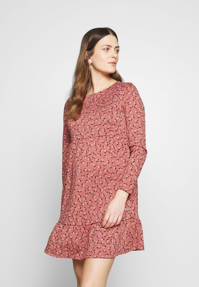 BABYDOLL MINI DRESS - Žerzejové šaty - aidan faded rose