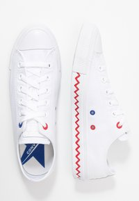 Converse - CHUCK TAYLOR ALL STAR - Trainers - white/university red/rush blue - 3