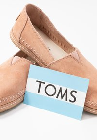 TOMS - ALPARGATA - Slip-ons - light brown - 7
