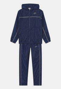 Nike Sportswear - TRACK SUIT SET UNISEX - Tepláková souprava - midnight navy/smoke grey - 0