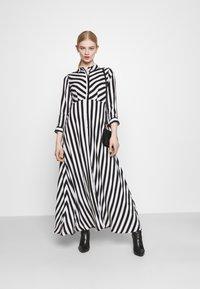 YAS - YASSAVANNA LONG DRESS - Maksimekko - black/ white stripes - 1