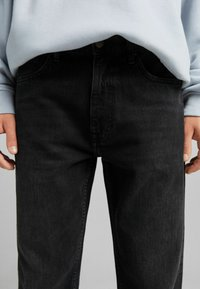Bershka - STRAIGHT VINTAGE - Jeans relaxed fit - black - 3