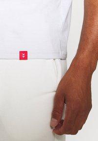 Hummel - T-shirts print - white - 4