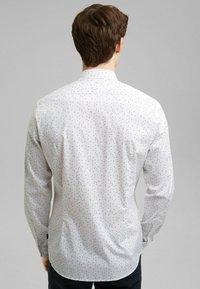 Esprit - MIT COOLMAX® - Shirt - white - 5
