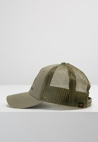 Alpha Industries - BASIC TRUCKER UNISEX - Gorra - dark green - 3