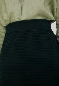 Anna Field - Pouzdrová sukně - dark green - 5