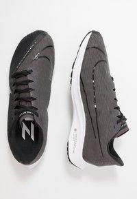 Nike Performance - ZOOM RIVAL FLY 2 - Nøytrale løpesko - black/white/thunder grey - 1