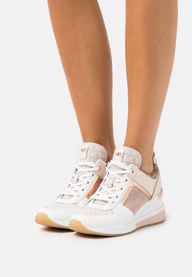 MICHAEL Michael Kors - GEORGIE TRAINER - Sneakers laag - natural/multicolor