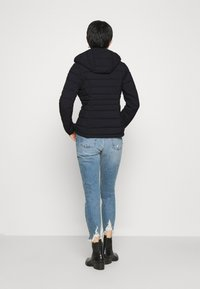 Abercrombie & Fitch - PACKABLE PUFFER POLY - Giacca da mezza stagione - black - 2