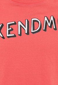 Mister Tee - KIDS WEEKEND MOOD TEE - Print T-shirt - rosa - 2