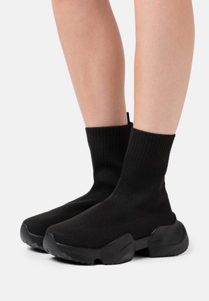CHUNKY SOCK RUNNER - Sneakersy wysokie - black