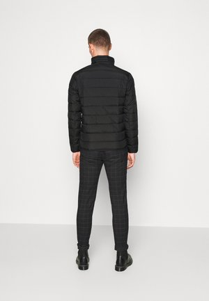 LIGHTWEIGHT JACKET - Overgangsjakker - black