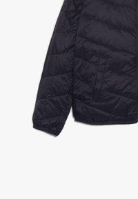 Abercrombie & Fitch - COZY PUFFER - Zimní bunda - navy/pink - 5
