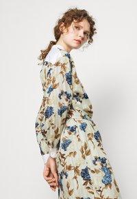 Tory Burch - TUNIC DRESS - Shirt dress - mixed floral - 5