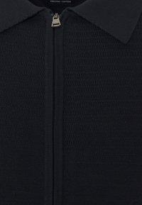 Tommy Hilfiger - FINE ZIG ZAG STRUCTURE OVERSHIRT - Cardigan - desert sky - 2