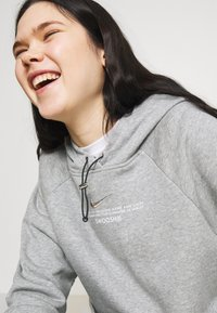 Nike Sportswear - HOODIE - Sweatshirt - dark grey heather/white - 3