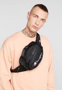 Champion Reverse Weave - Bum bag - black - 1