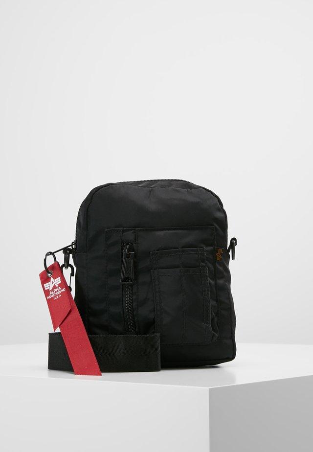 CREW CARRY BAG - Across body bag - black