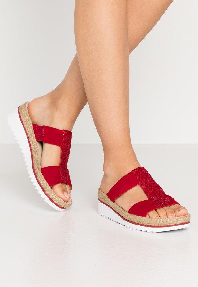 Pantofle - rubi