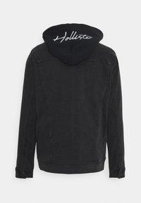 Hollister Co. - TRUCKER TWOFER - Jeansjacka - black wash - 1