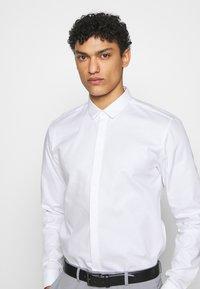 HUGO - EJINAR - Formal shirt - open white - 5