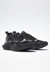 Reebok Classic - ZIG KINETICA HORIZON SHOES - Zapatillas - black - 2