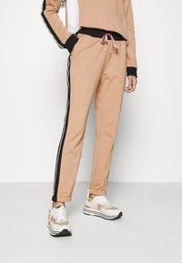 Liu Jo Jeans - PANTALONE FELPA - Spodnie treningowe - praline - 0