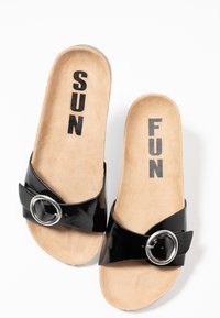 s.Oliver - Slippers - black - 7
