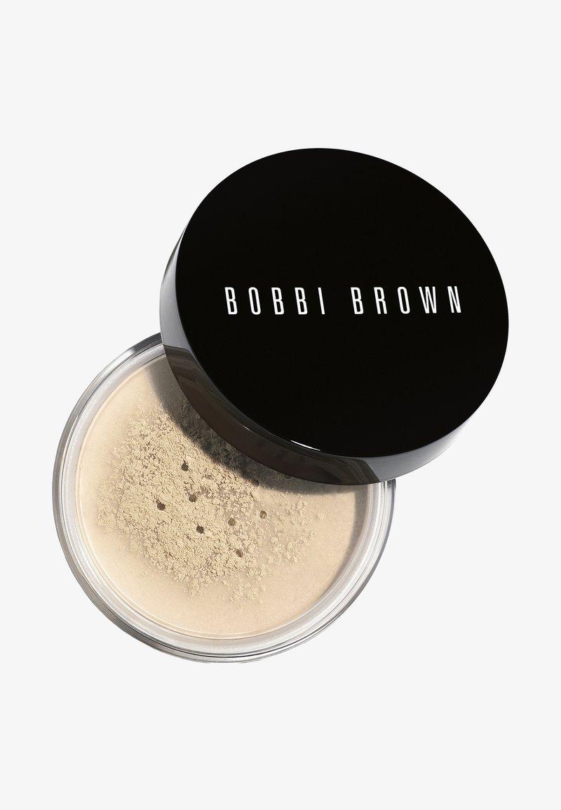 Bobbi Brown - SHEER FINISH LOOSE POWDER - Setting spray & powder - soft sand