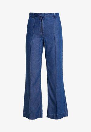 DIMA PANTS - Bukse - light denim blue