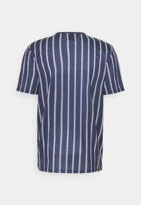 Redefined Rebel - JETT TEE UNISEX - Print T-shirt - dark navy - 1