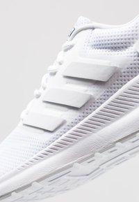 adidas Performance - RUNFALCON - Nøytrale løpesko - footwear white - 5
