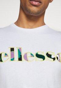 Ellesse - LANBRONE - Print T-shirt - white - 5