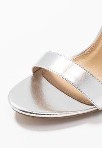 RAID - NARISSA - Sandály na vysokém podpatku - silver - 2