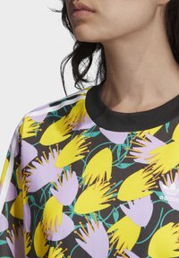 adidas Originals - BELLISTA TEE DRESS - Vestido informal - yellow - 5