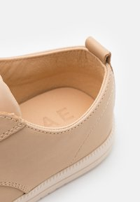 Clae - ELLINGTON - Sneakersy niskie - natural - 5