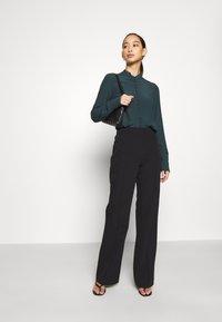 Vero Moda - JAPANISCHER - Button-down blouse - ponderosa pine - 1