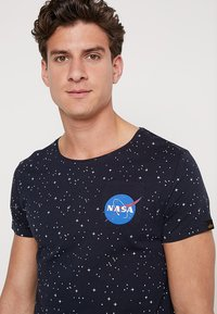 Alpha Industries - STARRY - T-shirt con stampa - rep blue - 3