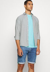 Tommy Jeans - SUNFADED WASH TEE - T-shirt basic - blue - 4
