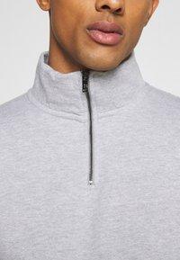 Burton Menswear London - REGULAR FIT 1/2 ZIP SET - Sweatshirt - grey melange - 8