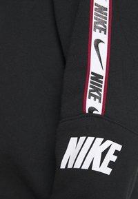 Nike Sportswear - REPEAT CREW  - Mikina - black - 5