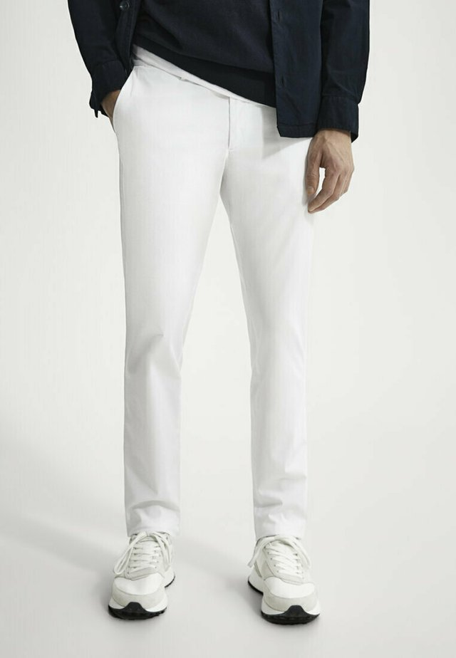 SLIM FIT - Chinos - white