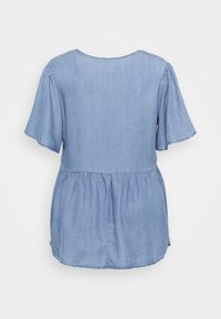 Vero Moda Curve - VMNAENA  - Blouse - light blue denim - 1