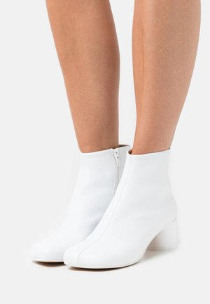 STIVALETTO - Ankle boots - white