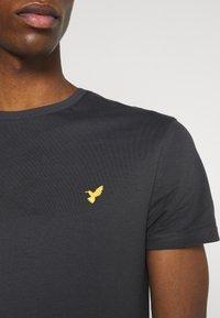 Pier One - Basic T-shirt - dark grey - 4