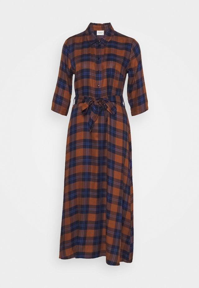 JDYSTAY MIDCALF DRESS - Blusenkleid - brown/blue
