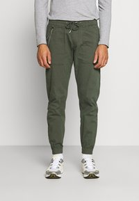 Redefined Rebel - TOBY PANTS - Trousers - thyme - 0