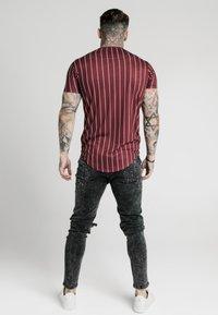 SIKSILK - PINSTRIPE TEE - T-shirt print - burgundy - 2